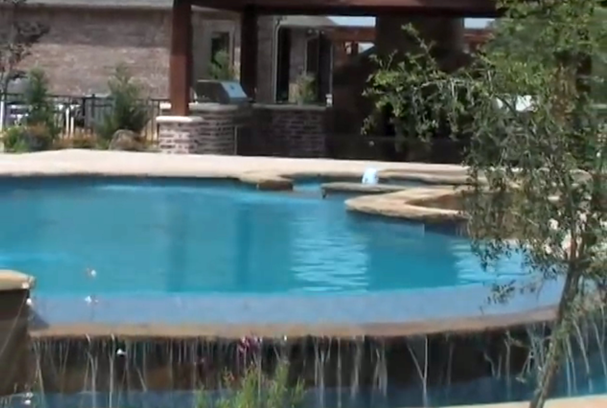 Converting your pool to Saltwater with Poolman